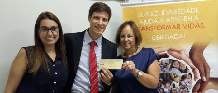 FUNIBER entrega el premio a la ganadora del FUNICONCURSO «Publicación Solidaria»
