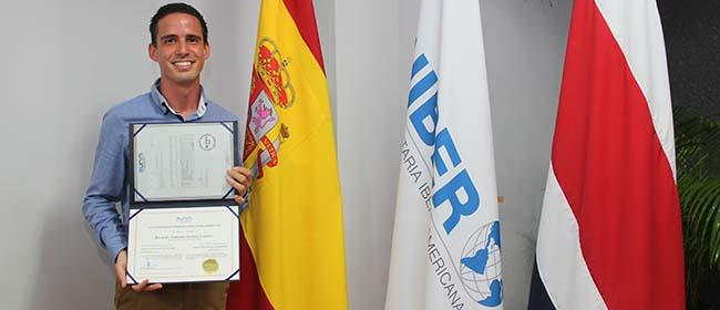 Opinión de Ricardo Antonio Arroyo Linares, alumno becado de la Especialización en Fitoterapia, Aromaterapia y Nutrición
