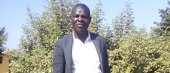 alumno de la localidad mozambiqueña de Fingoe, que cursó, becado por FUNIBER, la Maestría en Recursos Humanos y Gestión del Conocimiento que titula la Universidad Europea del Atlántico